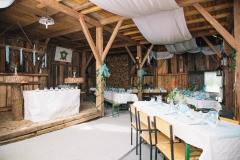 Hochzeitlich geschmückt